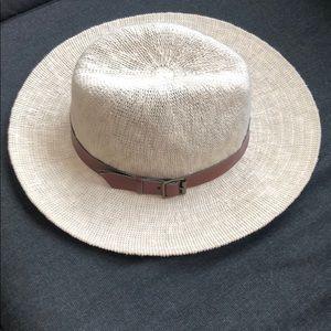 NWT tan Panama hat